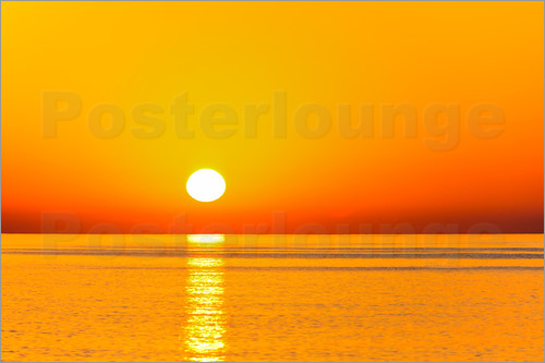 sonnenaufgang ber dem meer poster von j rgen feuerer. Black Bedroom Furniture Sets. Home Design Ideas