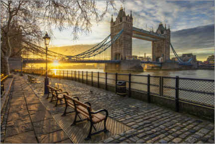 Premium-Poster  Tower Bridge in London bei Sonnenaufgang - Dieter Meyrl
