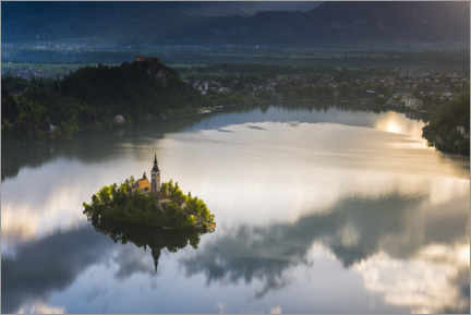 Premium-Poster  Lake Bled bei Sonnenaufgang - Matthew Williams-Ellis