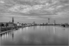 Michael Valjak - Düsseldorf skyline in the evening in black and white