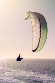 Felix Pergande - Paragliding over the ocean