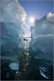 John Hyde - Kayakers frente a icebergs