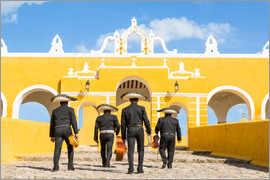 Matteo Colombo - Mariachi band with sombreros in an old monastery, Mexico