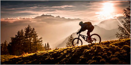 Sandi Bertoncelj - Mountainbiker in der Abendsonne