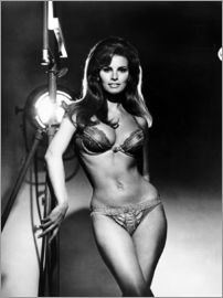 RAQUEL WELCH, portrait from the film, BEDAZZLED, 1967.   Courtesy: Everett Collection
