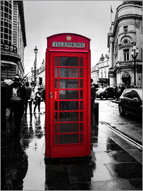 Edith Albuschat - Red telephone booth in London