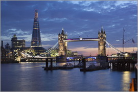 Stuart Black - Shard und Tower Bridge bei Nacht