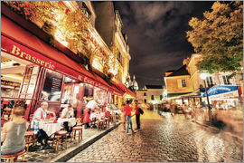 Montmartre streets at night