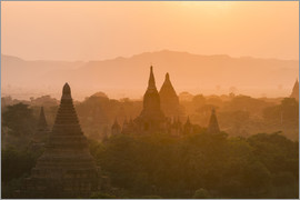 Harry Marx - Sunrise over ancient temples of Bagan, tones, breathtaking, foggy