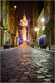 gn fotografie - The famous Galata-Tower at night (Istanbul/Turkey)