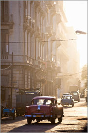 Lee Frost - Vintage American car taxi on Avenue Colon during morning rush hour soon after sunrise, Havana Centro