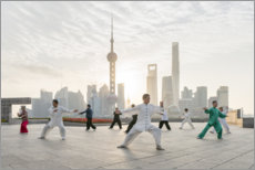 Premium-Poster  Tai Chi Chuan am Bund in Shanghai - Jan Christopher Becke