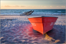 Premium-Poster Rotes Boot an der Ostsee