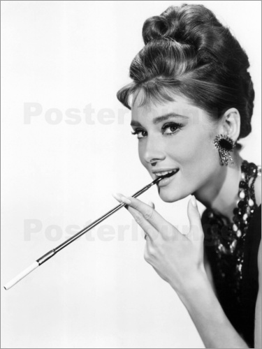 audrey hepburn mit zigarettenspitze poster online. Black Bedroom Furniture Sets. Home Design Ideas