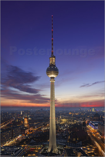berliner fernsehturm bei nacht poster online bestellen posterlounge. Black Bedroom Furniture Sets. Home Design Ideas