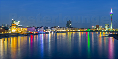 rclassen d sseldorf nacht skyline poster online bestellen. Black Bedroom Furniture Sets. Home Design Ideas