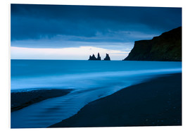 Hartschaumbild  Twilight view towards rock stacks at Reynisdrangar off the coast at Vik, South Iceland, Iceland, Pol - Lee Frost