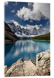 Acrylglas  Moraine Lake in the fall with fresh snow, Banff National Park, UNESCO World Heritage Site, Alberta,  - James Hager
