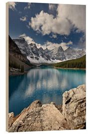 Holzbild  Moraine Lake in the fall with fresh snow, Banff National Park, UNESCO World Heritage Site, Alberta,  - James Hager