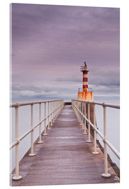 Acrylglasbild  The South Jetty lighthouse in Amble on the Northumberland coastline, Northumberland, England, United - Julian Elliott