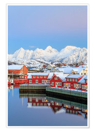 Premium-Poster  Pink sunset over the typical red houses reflected in the sea, Svolvaer, Lofoten Islands, Arctic, Nor - Roberto Moiola