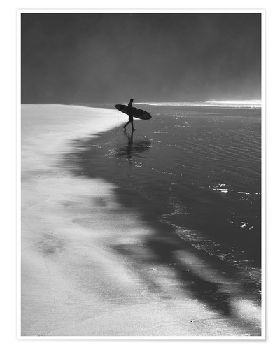 Premium-Poster A lone surfer on his way into the sea.